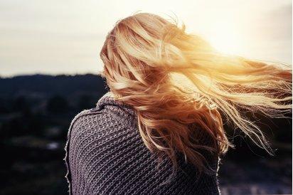 Husté vlasy jako symbol krásy a nejen to
